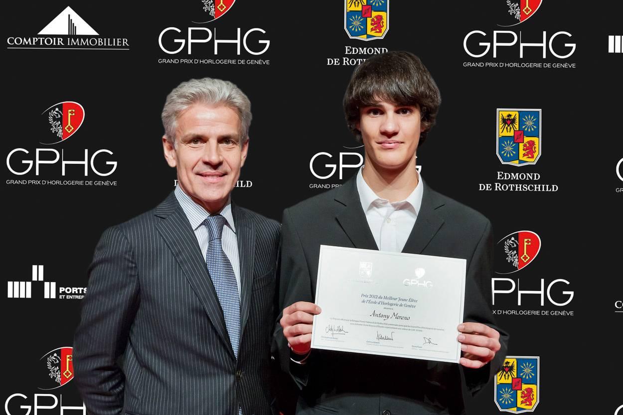 Christophe de Backer, directeur général du Groupe Edmond de Rothschild et Antony Moreno, lauréat du Prix du meilleur jeune élève de l'Ecole d'Horlogerie de Genève 2012