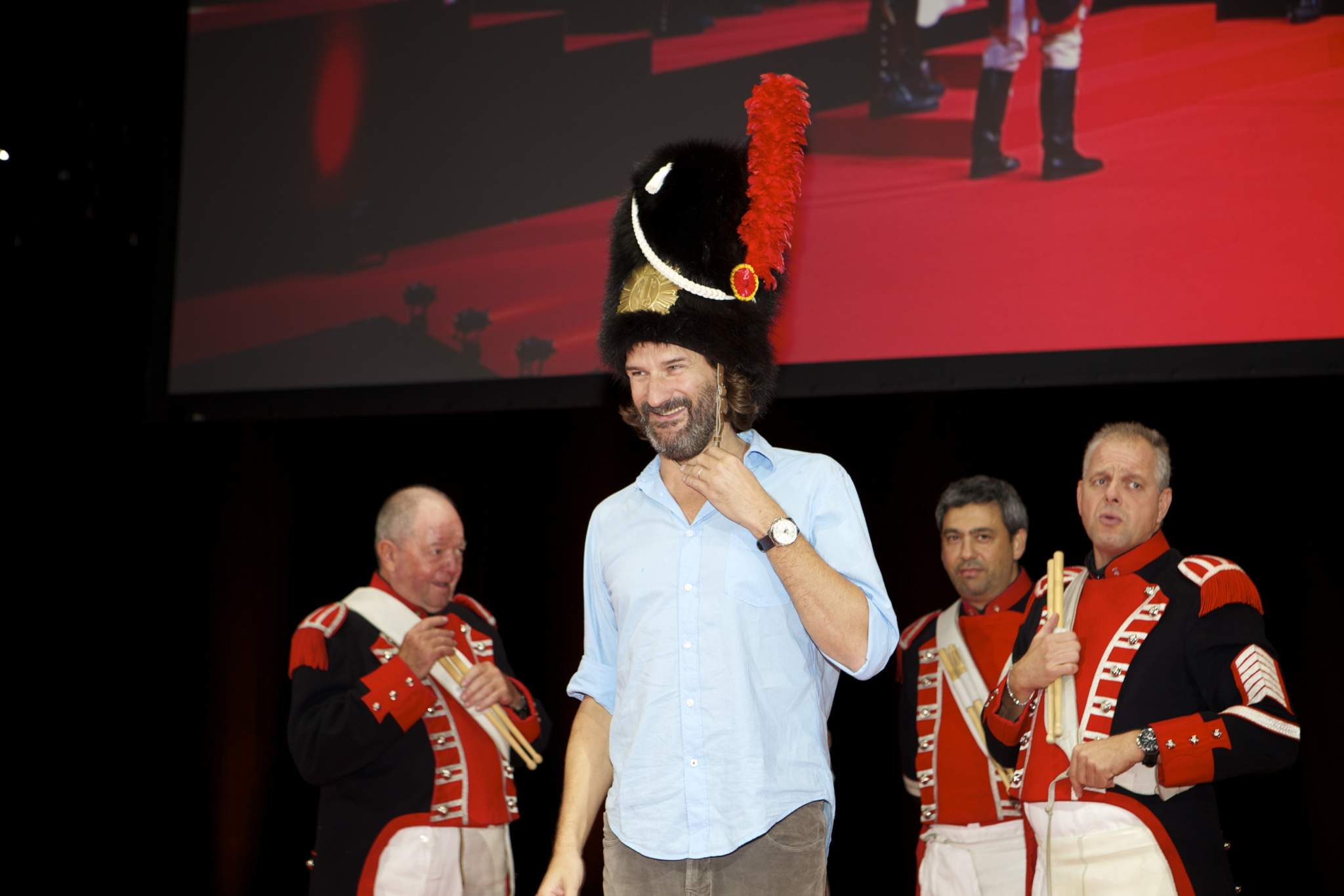 Frédéric Beigbeder (MC of the prize-giving ceremony of the GPHG 2014) and the Vieux Grenadiers of Geneva