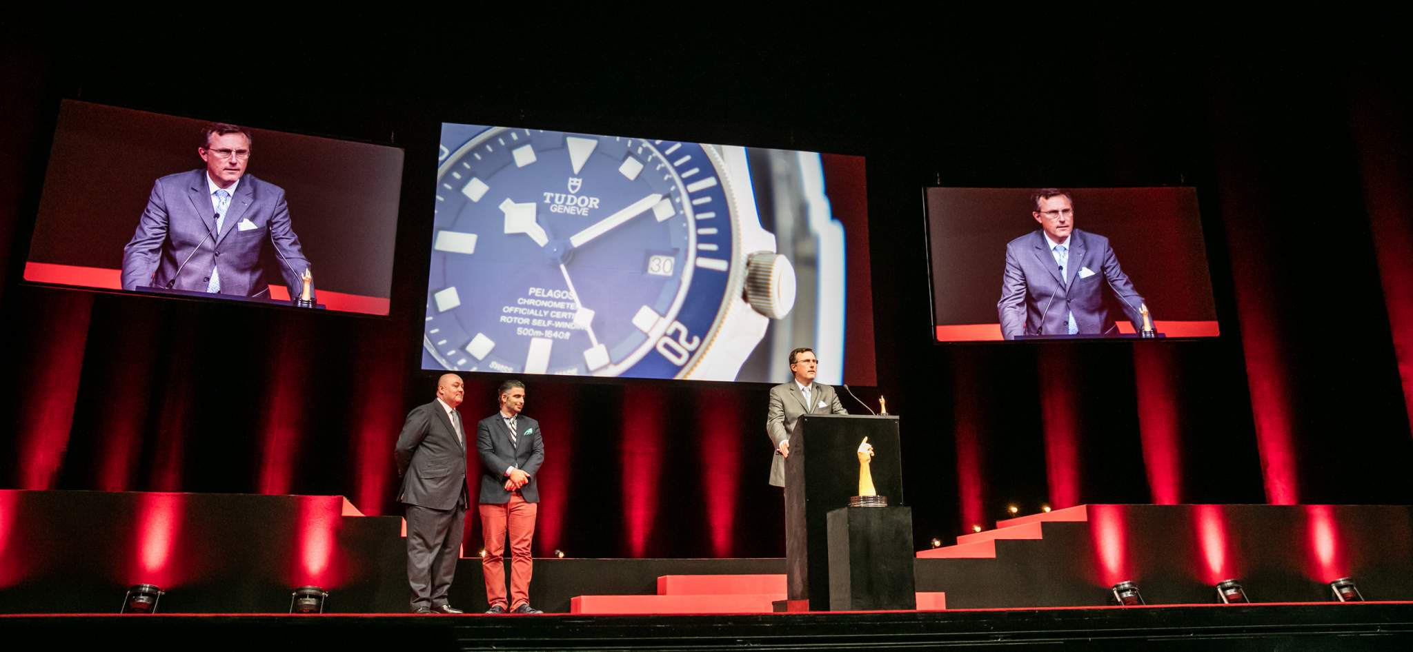 Philippe Peverelli (CEO of Tudor, winner of the Sport Watch Prize 2015) with William Rohr and David Sadigh (jury members)