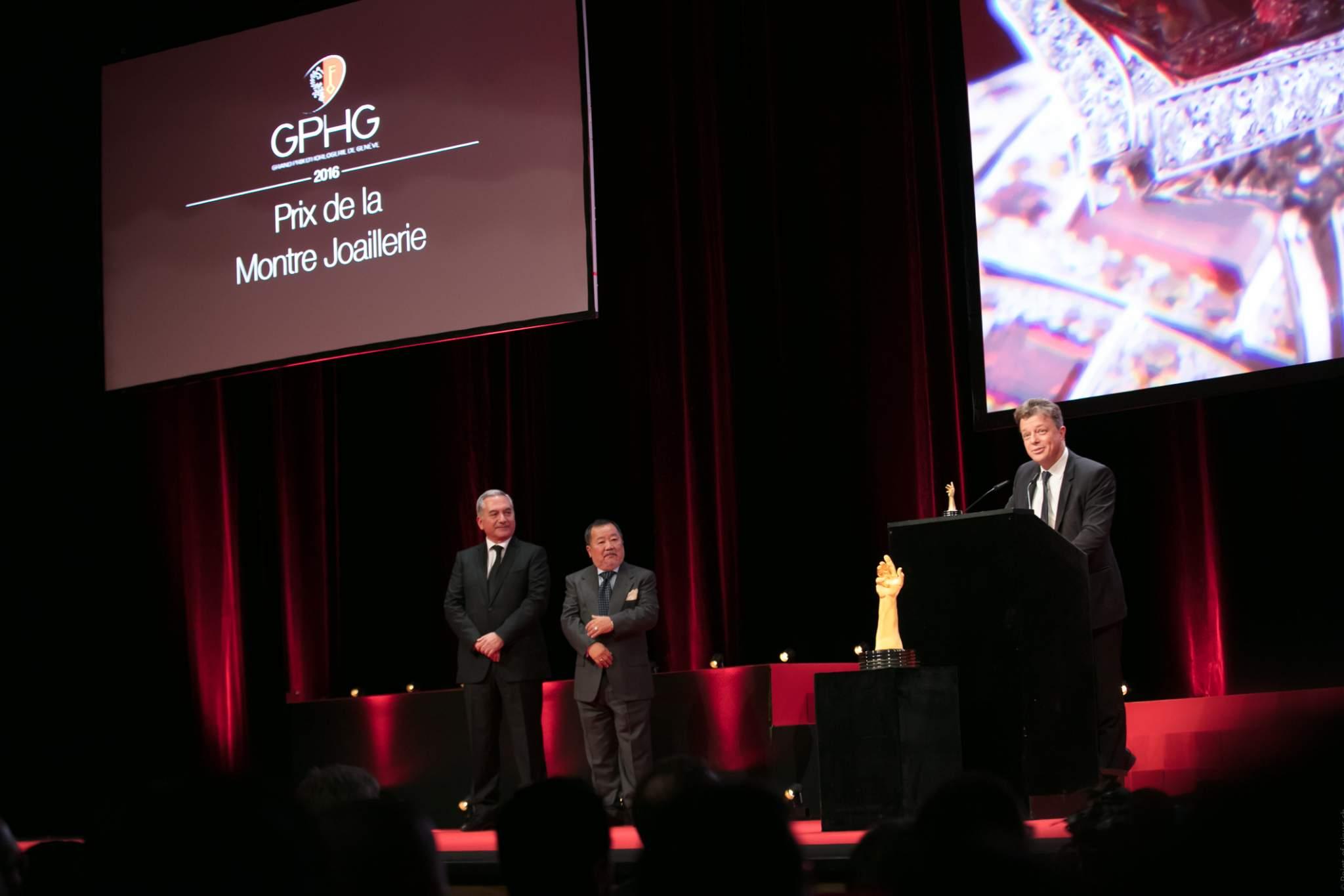 Claude Sfeir, Takeshi Matsuyama (membres du jury) et Nicolas Beau (Directeur International Horlogerie de Chanel, lauréat du Prix de la Montre Joaillerie 2016)