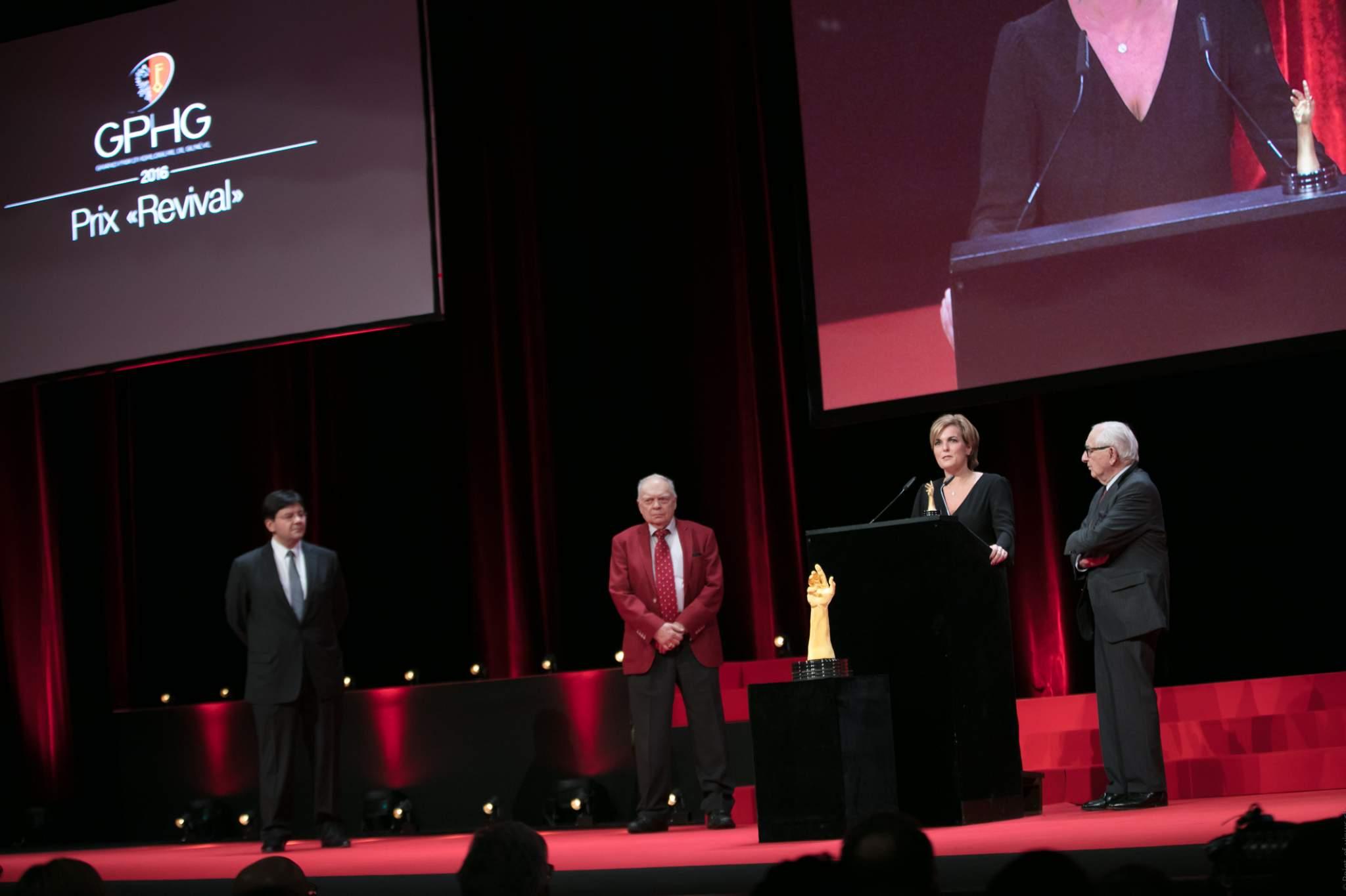 Sean Li, Antoine Simonin (membres du jury), Valérie Servageon (Directrice marketing de TAG Heuer) et Jack Heuer (Président d'honneur de TAG Heuer, lauréat du Prix «Revival»)